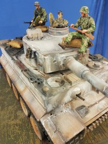 Panzer VI Tiger 1 Unikat !!! Finish by Malzburg ohne Figuren